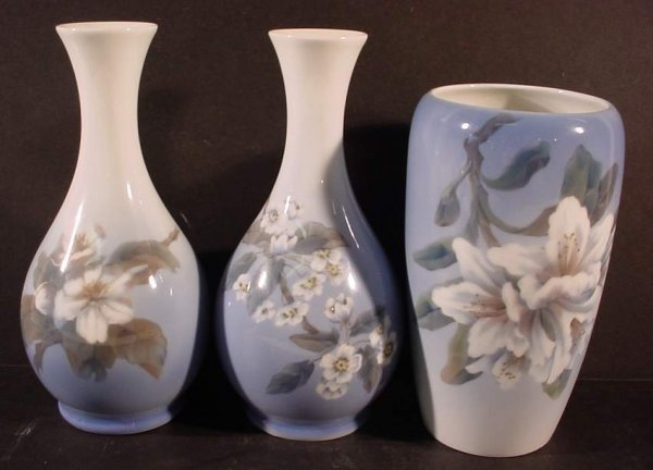 1018: 3 Royal Copenhagen vases,  decorated with  flower