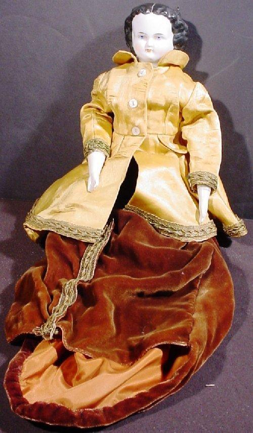 1013A: Vintage porcelain doll with porcelain head, hand