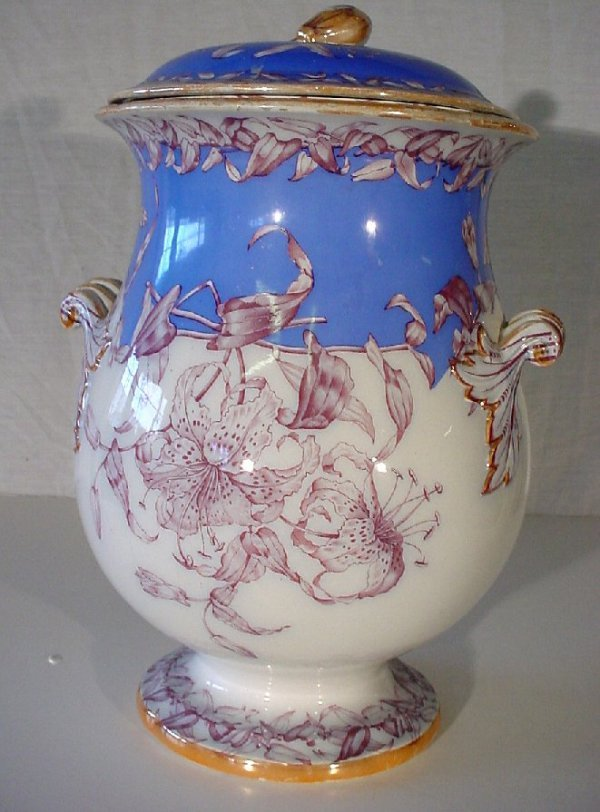 """22: Victorian English lidded wash bucket, 17 1/2""""h,  ha"""