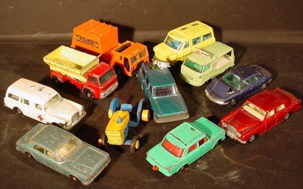 4A: Lot of vintage Matchbox, Hot Wheels and Corgi  Juni