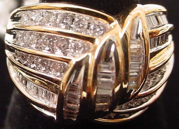 24: 10k gold and diamond ring