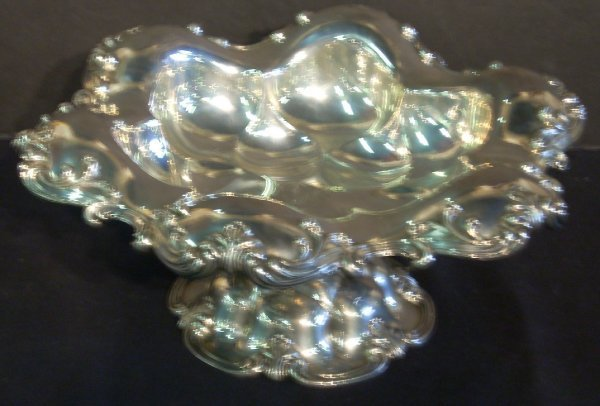 1099: Wallace sterling silver large footed bowl, round,