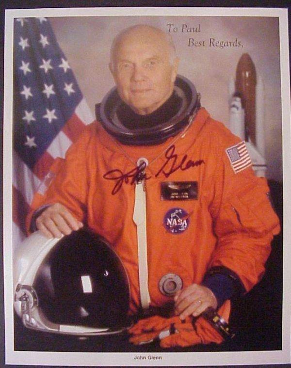 "3026: John Glenn autographed color photo 8""x10"""