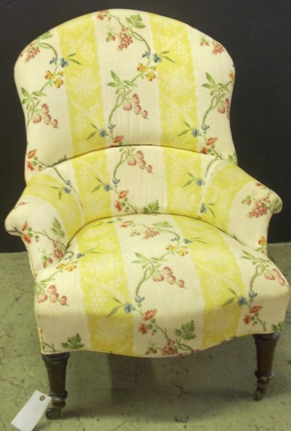 3030: Victorian slipper chair with yellow chintz  uphol
