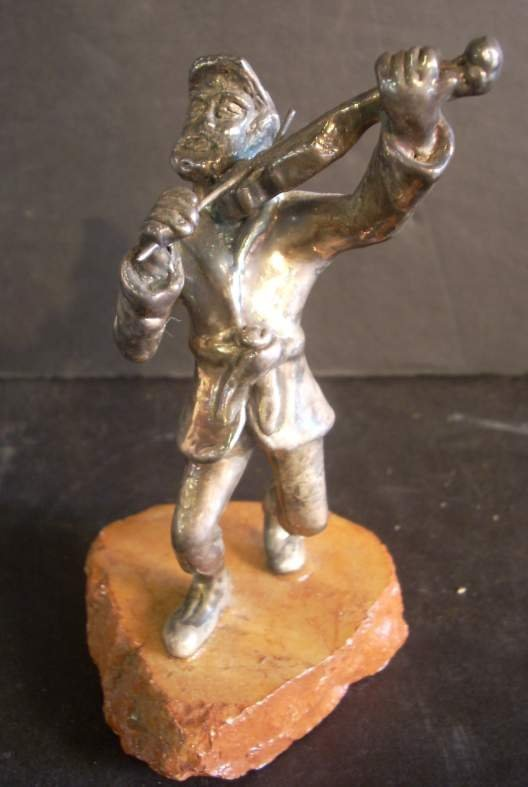 """3026A: Sterling silver figure of a fiddler, 5 1/4""""h"""