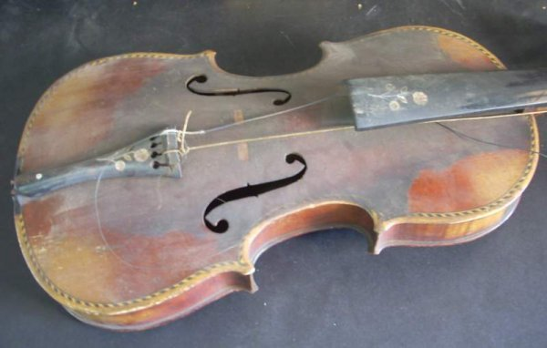 3308A: Antique violin with floral mother of pearl inlay