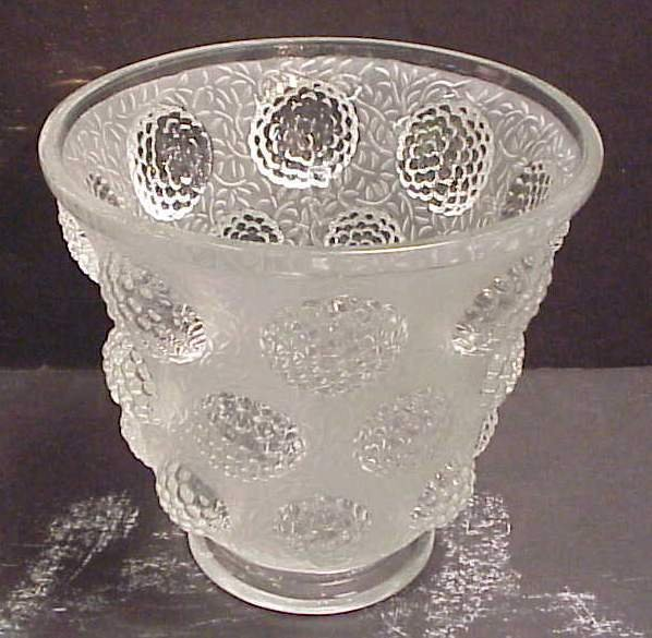 """17: Verlys frosted glass vase 6 1/2""""h, signed"""