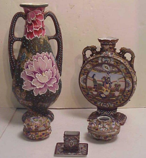 1004: 5 Satsuma moriage pieces, large two handle vase