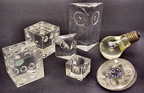 3009: Group of 7 acrylic table top accessories includin