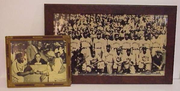 1021: PRINT OF PHOTO OF BLACK YANKEES 1939 TEAM AND PRI