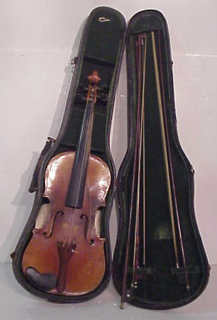 1003: Violin with case and three bows,  paper label mad