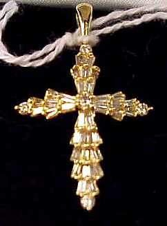 15A: 14K GOLD AND DIAMOND CROSS