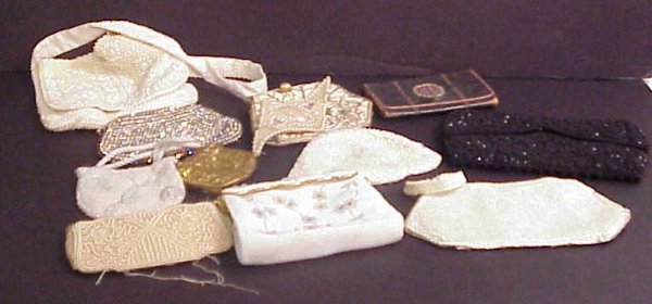 1020A: Lot of vintage beaded and jeweled  purses