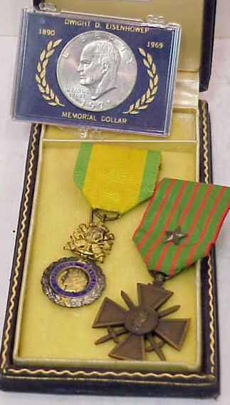 1013: TWO FRENCH FOREIGN LEGION MEDALS AND AN EISENHOWE