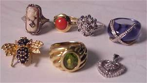 34 Gold jewlery lot 8 pieces  coral ring sapphire