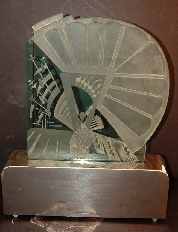 2088: Art Deco Etched and carved glass panel lamp,  mou