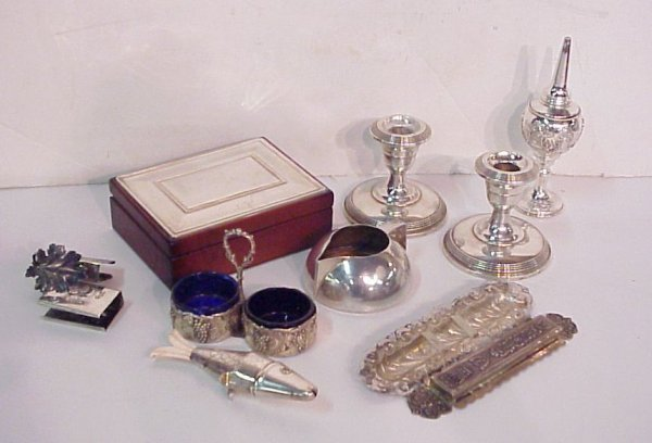 2022A: Sterling silver box lot: pr. Fisher candlesticks