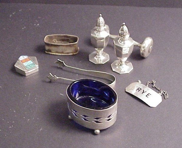 4016: Assorted sterling silver lot, salt and pepper,  t