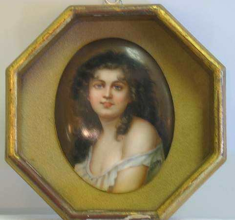 3033: PORTRAIT OF A BEAUTY HAND PAINTED ON PORCELAIN, S