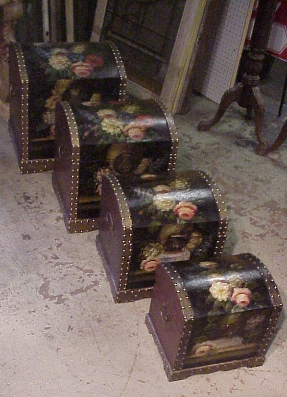 15: Set of 4 floral painted nesting dome top trunks,  l