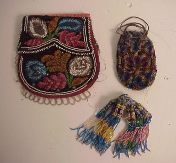 "13: Two upstate NY Indian beaded bags7"" x 6"" and 4  1/2"