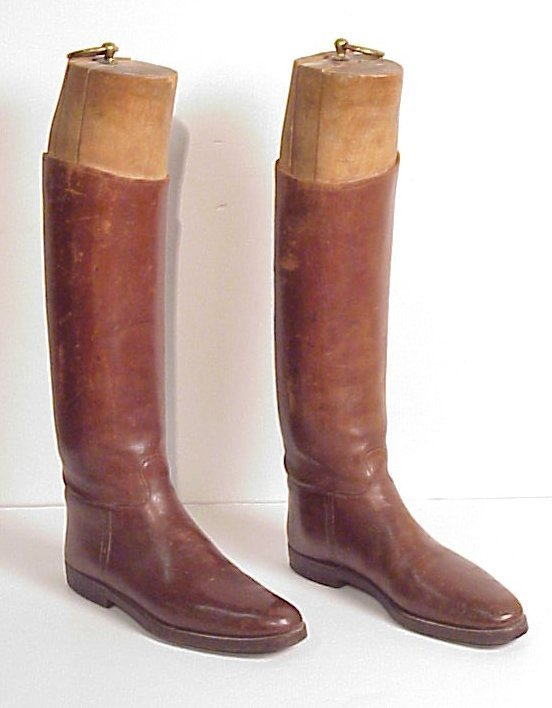 17: Pair 19thc leather men's riding boots with wood  mo