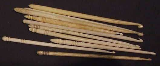 2310: 10 ASSORTED 19TH C BONE SEWING IMPLEMENTS