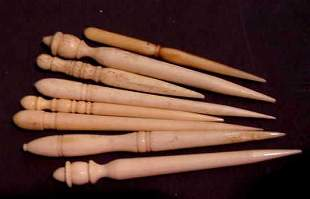 GROUP OF 8 ASSORTED 19TH C BONE SEWING IMPLEMENTS