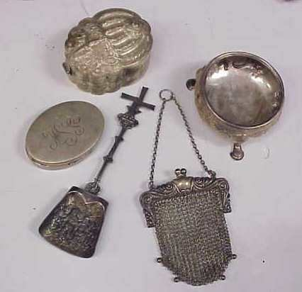 "2006A: 5 MOSTLY SILVER PIECES: MESH PURSH 5 3/4""L; SMAL"