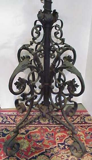16: WROUGHT IRON FLOOR LAMP WITH SCROLL MOTIF, OIL LAMP - 2