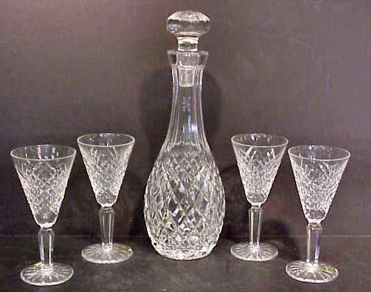 "19: WATERFORD DECANTER (11 1/4"") & 4 CORDIAL GLASSES (5"
