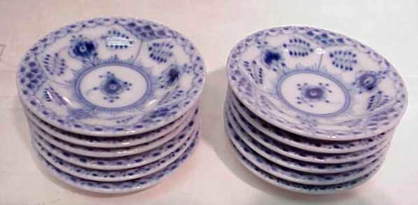27: ROYAL COPENHAGEN SERVING PIECES, BLUE & WHITE PATTE - 4