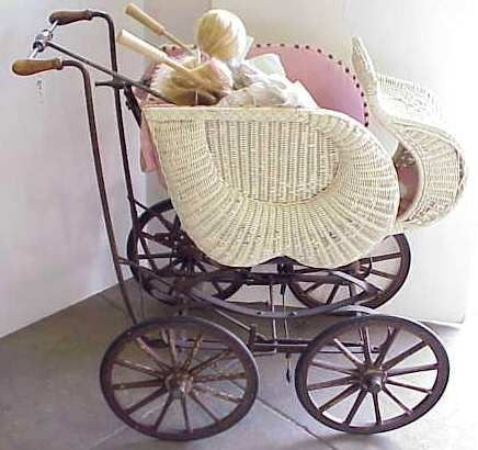 15: VICTORIAN WICKER BABY CARRIAGE WITH ADJUSTABLE UMBR