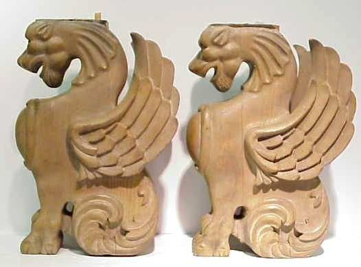 2032: PAIR OF CARVED OAK WING GRIFFIN BRACKETS