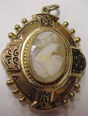 """4055: VICTORIAN LOCKET WITH CAMEO, 1 1/2"""" H"""