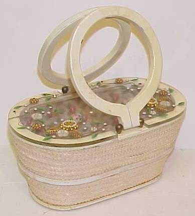 4047A: LUCITE TOP STRAW PURSE WITH APPLIED FLOWERS, PAI
