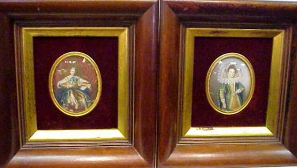 1024A: PAIR OF MINITURE PORTRAITS OF ROYALTY