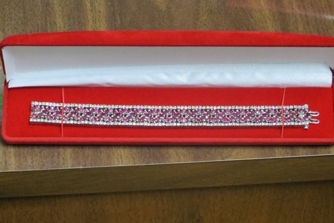14K white gold diamond bracelet,40 gm,4.25TCW diamond