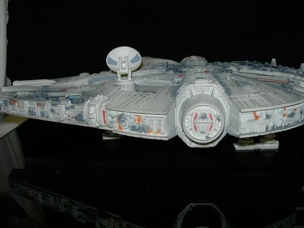93: STAR WARS MILLENIUM FALCON CODE 3 DIECAST MODEL - 3