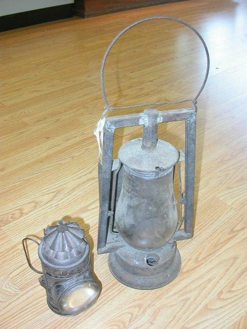 2 ANTIQUE 1917 DIETZA OIL POLICE LAMP LATERN BUCKEYE