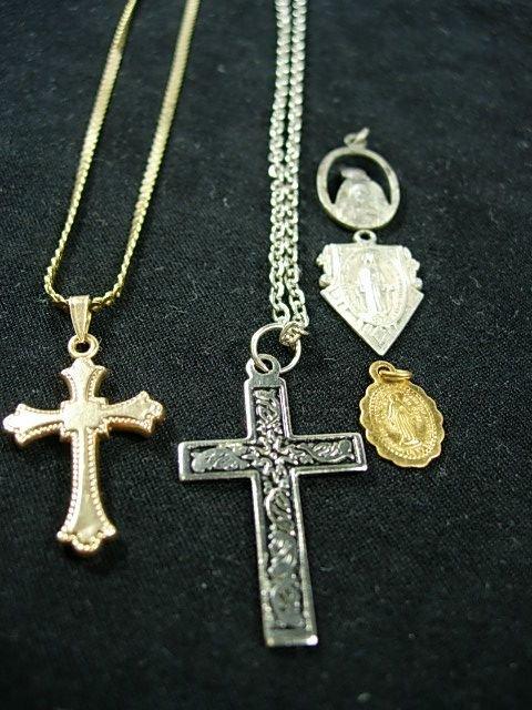 90272: 14K GOLD CROSS CHAIN STERLING RELIGIOUS PENDANT