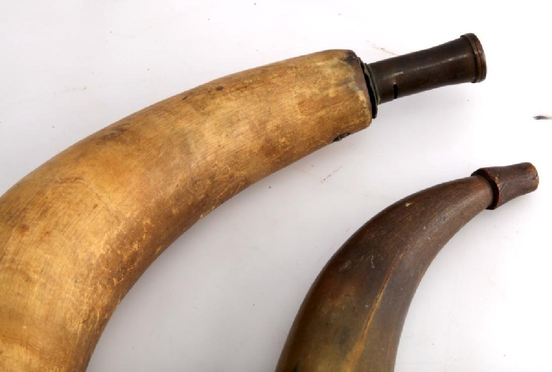 SET OF 2 ANTIQUE POWDER HORN FLASKS EARLY AMERICAN - 2