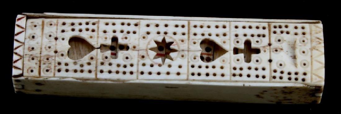 ANTIQUE BONE SCRIMSHAW DOMINO BOX & DOMINOS
