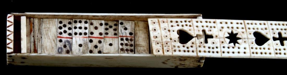 ANTIQUE BONE SCRIMSHAW DOMINO BOX & DOMINOS - 3