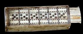 ANTOQUE BONE SCRIMSHAW DOMINO BOX & DOMINOS