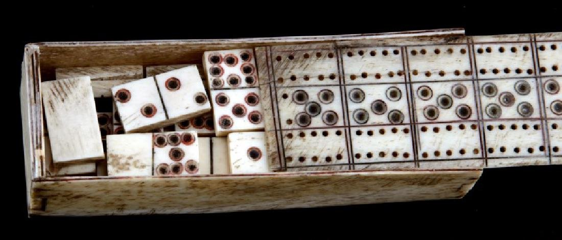 ANTOQUE BONE SCRIMSHAW DOMINO BOX & DOMINOS - 2