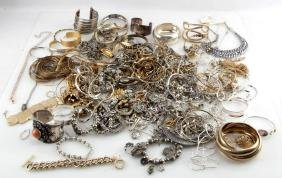 MIXED LOT OF COSTUME JEWELRY 7.6 POUNDS