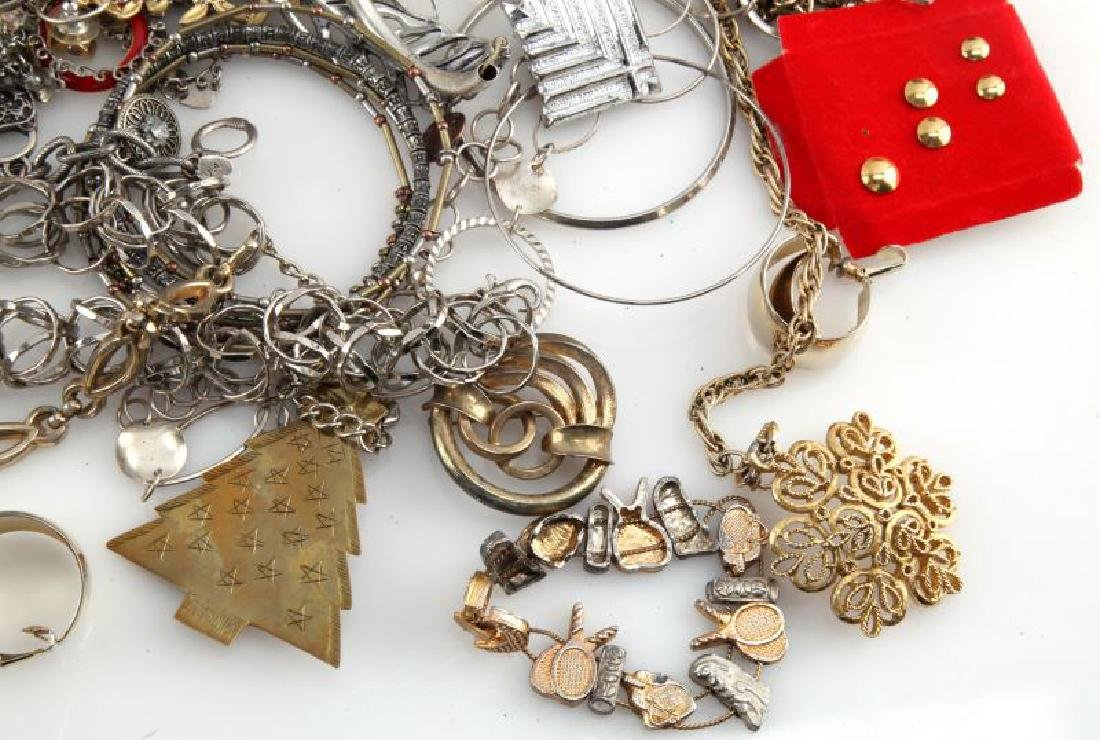 MIXED LOT OF COSTUME JEWELRY 7.8 POUNDS - 6