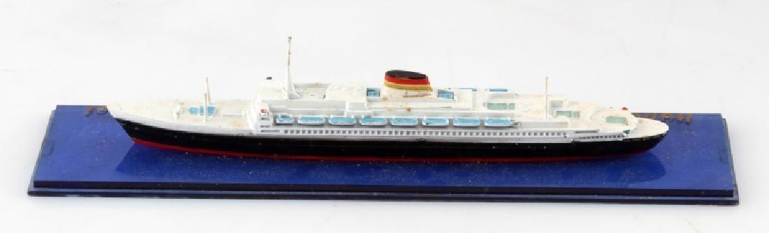VINTAGE LEONARDO DA VINCI ITALIAN LINE SHIP MODEL - 3