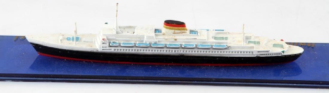 VINTAGE LEONARDO DA VINCI ITALIAN LINE SHIP MODEL - 4